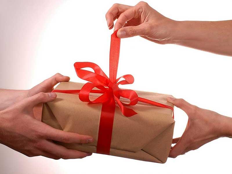 راهنمای انتخاب یک هدیهی ولنتاین لوکس و متفاوت